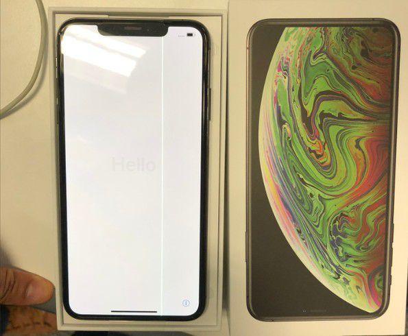 Lỗi màn hình sọc trên iPhone XS Max mới